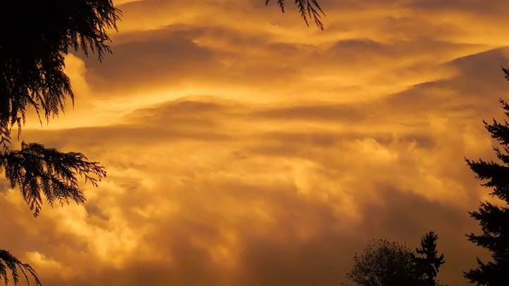 Fiery Sunset with Fast Moving Clouds Free Stock Footage
